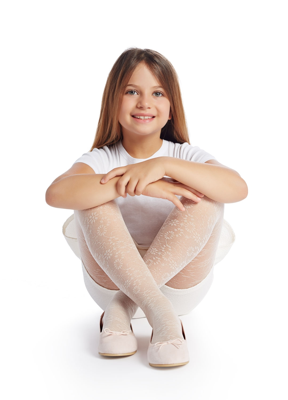 Teen in tight patterned leggings 5